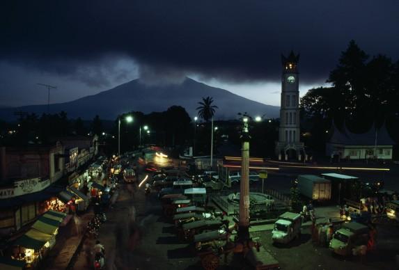Indonesia. March 2003 © Credits: David Alan Harvey