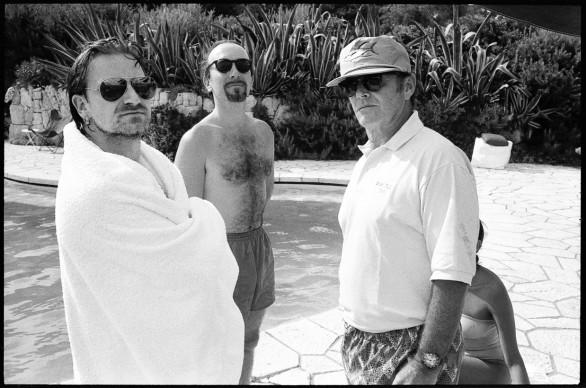 Jean Pigozzi, Bono, The Edge and Jack Nicholson, Antibes, 1994 © Jean Pigozzi
