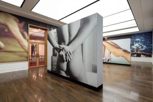 Mario Testino. Undressed. Installation shot, Helmut Newton Foundation Berlin, 2017. Photo Gerhard Kassner