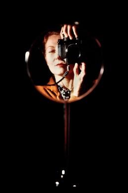 Maria Mulas, Autoritratto allo specchio, 1981