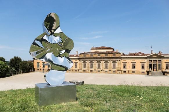 Helidon Xhixha, Equilibrio, 2017, acciaio lucidato a specchio, Piazzale della Meridiana, Giardino di Boboli, Firenze