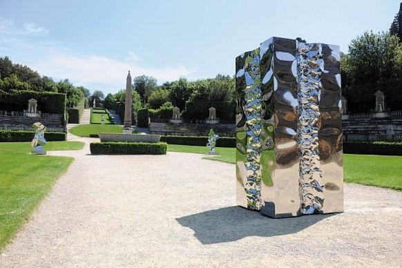 Helidon Xhixha, Ordine e Caos, 2017, acciaio lucidato a specchio, Anfiteatro, Giardino di Boboli, Firenze
