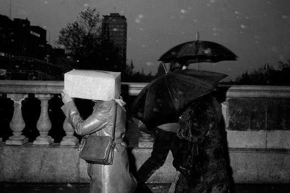 """O'Connell Bridge, Dublin, Ireland, 1981.  From 'Bad Weather"""". © Martin Parr / Magnum Photos"""