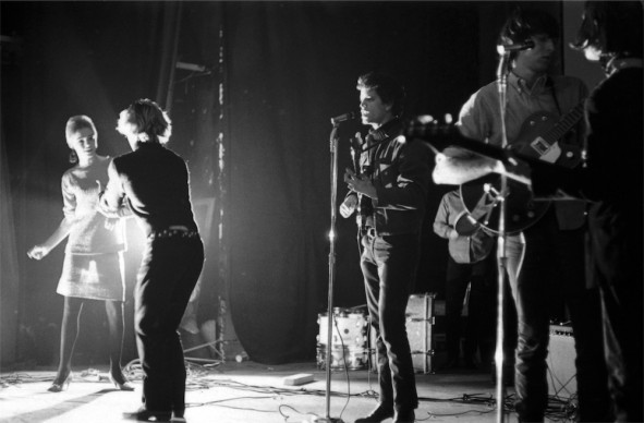 Edie Sedgewick, Gerard Malanga dancing and Lou Reed, Maureen Tucker, Sterling Morrison and John Cale on bass, New York Film-makers' Cinematheque February 1966 © Adam Ritchie Photography, www.adam-ritchie-photography.co.uk