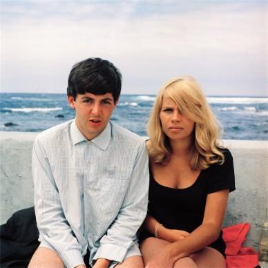 Autore sconosciuto, Paul McCartney e Astrid Kirchherr, Tenerife. 1963