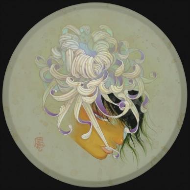 Fuco Ueda, KIKU KA II, acrylic and shell white on canvas, 25 cm