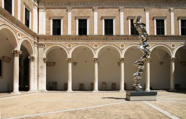 Tony Cragg, Elliptical Column, 2012 - Un'opera per il Palazzo Ducale, Urbino 2017
