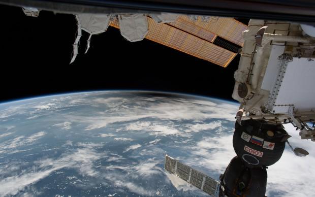 eclissi di sole 21 agosto 2017 vista dallo spazio foto NASA
