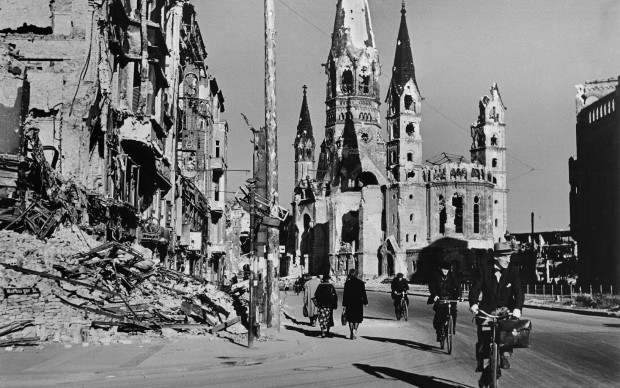 People on street lined with ruined buildings, Berlin, August 1945 © Robert Cap© Robert Cap© Robert Cap© Robert Cap© Robert Cap© Robert Cap a © International Center of a © International Center of a © International Center of a © International Center of a © International Center of a © International Center of a © International Center of a © International Center of a © International Center of a © International Center of a © International Center of a © International Center of a © International Center of a © International Center of a © International Center of a © International Center of a © International Center of a © International Center of Photography/Magnum Photos Photography/Magnum PhotosPhotography/Magnum PhotosPhotography/Magnum PhotosPhotography/Magnum Photos Photography/Magnum Photos Photography/Magnum PhotosPhotography/Magnum Photos Photography/Magnum PhotosPhotography/Magnum Photos Photography/Magnum PhotosPhotography/Magnum Photos Photography/Magnum PhotosPhotography/Magnum PhotosPhotography/Magnum PhotosPhotography/Magnum PhotosPhotography/Magnum PhotosPhotography/Magnum Photos