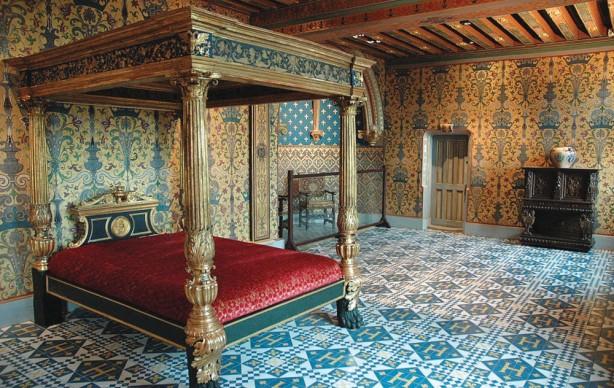 Restauro di Félix Duban della stanza reale all'interno del Castello di Blois, Francia. Photo credit: Courtesy Studio Baptiste Debombourg & Galerie Patricia Dorfmann - Paris