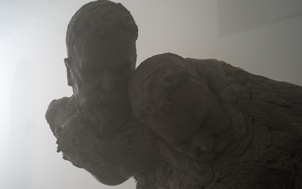 Alis/Filliol, eud (2017) poliuretano, 180×90×60 cm e 200×140×70 cm, Fotografie di Carlos Tettamanzi