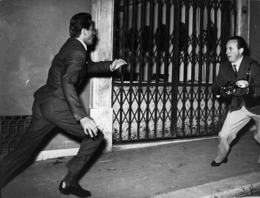 Elio Sorci, Walter Chiari e Tazio Secchiaroli, Roma, 1958. © Tazio Secchiaroli/David Secchiaroli