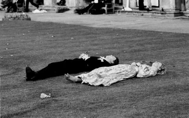 Magdalen Comem Ball. Oxford, 24 June 1988 © Dafydd Jones