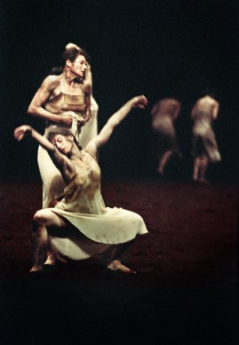 Sacre du Printemps - Tanztheater Wuppertal Pina Bausch, 2013, Teatro San Carlo, Napoli ® Ninni Romeo