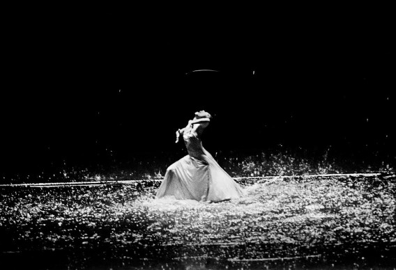Vollmond, Piccolo Teatro Strehler, Milano, 2011 - Tanztheater Wuppertal Pina Bausch ® Ninni Romeo