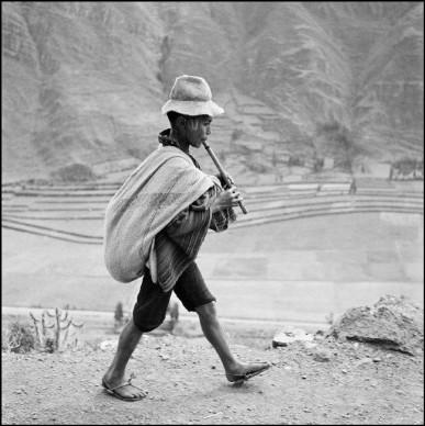 Werner Bischof, On the road to Cuzco, near Pisac. Peru, May 1954 © Werner Bischof - Magnum Photos