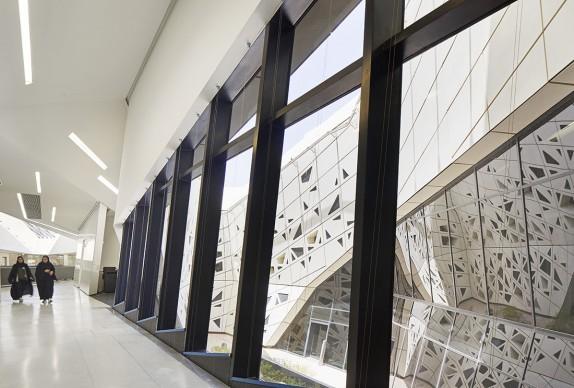 Zaha Hadid Architects, KAPSARC (King Abdullah Petroleum Studies and Research Center), Arabia Saudita © Hufton+Crow