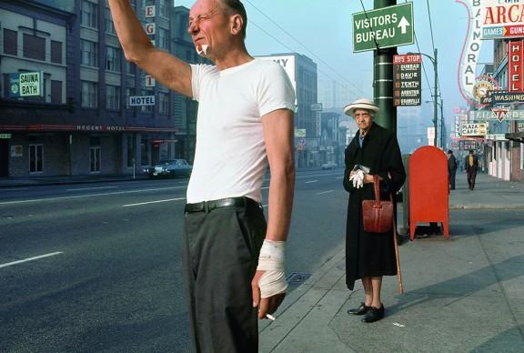 Fred Herzog, Man with bandage, 1968, Courtesy of Equinox Gallery, Vancouver © Fred Herzog, 2016