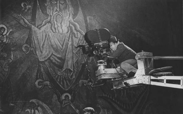 Sergej M. Ejzenštejn, foto dal set del film Ivan il Terribile, 1943