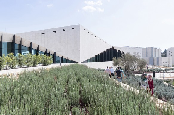 The Palestinian Museum, Birzeit, Palestine. Courtesy of heneghan peng architects with Arabtech Jardaneh, 2016 © Iwan  Baan