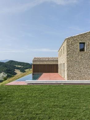 AP House Urbino Pieve di Cagna, Italy. Courtesy of GGA gardini gibertini architects, 2017 © Ezio Manciucca