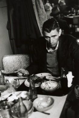 Robert Frank, Cafeteria – San Francisco, 1956 © Robert Frank, The Albertina Museum, Vienna – Dauerleihgabe der Österreichischen Ludwig-Stiftung für Kunst und Wissenschaft