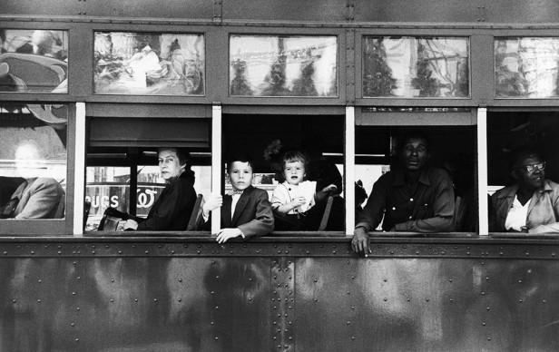 Robert Frank, Trolley – New © Robert Frank, Sammlung Fotostiftung Schweiz, Eigentum der Schweizerischen Eidgenossenschaft, Bundesamt für Kultur, BernOrleans, 1956
