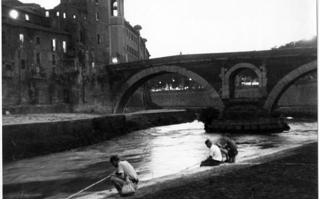 Mario Carbone, Pescatori e isola Tiberina, Museo in Trastevere 1956