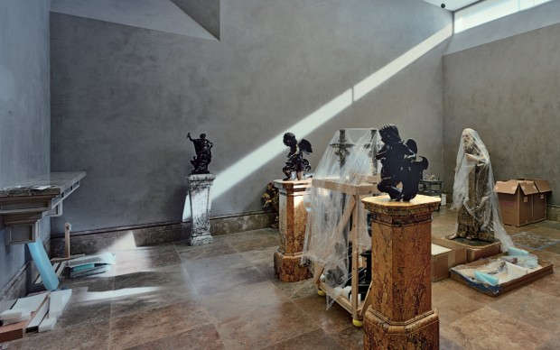 Robert Polidori, Neoclassical Sculpture Gallery, J. Paul Getty Museum, 1997 © Robert Polidori. Courtesy of the artist in conjunction with The Lapis Press