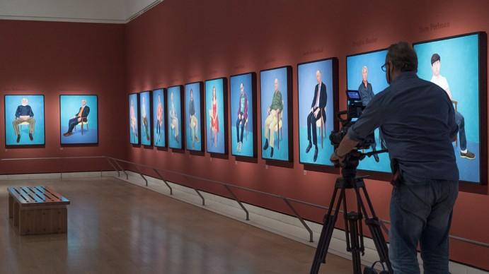 """Durante le riprese di """"David Hockney dalla Royal Academy of Arts"""" © David Bickerstaff"""
