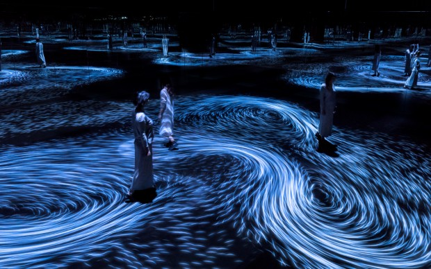 Moving Creates Vortices and Vortices Create Movement © teamLab, courtesy Ikkan Art Gallery, Martin Browne Contemporary and Pace Gallery