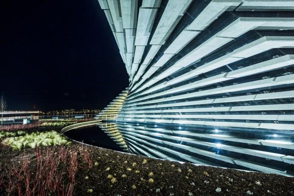 Kengo Kuma & Associates, V&A Dundee, photo by Ross Fraser McLean