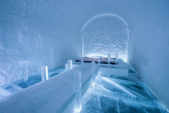 ICEHOTEL 365, 2017-2018. Art Suite Danger Thin Ice. Design Franziska Agrawal. Photo Asaf Kliger. © ICEHOTEL. www.icehotel.com