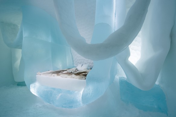 ICEHOTEL 28, 2017-2018 Art Suite Hang in There. Design Marjolein Vonk & Maurizio Perron. Photo Asaf Kliger. © ICEHOTEL. www.icehotel.com