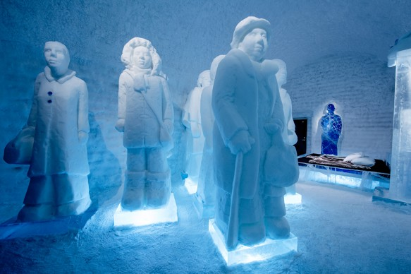 ICEHOTEL 365, 2017-2018 Deluxe Suite The invisible (invincible) army . Design Nina Hedman & Lena Kriström. Photo Asaf Kliger. © ICEHOTEL. www.icehotel.com