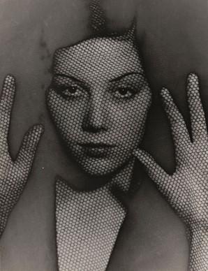 Man Ray, The Veil, 1930. The Museum of Modern Art, New York. Gift of James Thrall Soby © 2017. Digital image, The Museum of Modern Art, New York / Scala, Florenz © MAN RAY TRUST/ Bildrecht, Wien, 2017