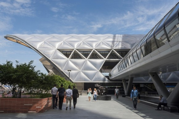 Foster + Partners, 2015 - Crossrail Station and Retail, Canary Wharf, United Kingdom. Photo credit: Foster + Partners
