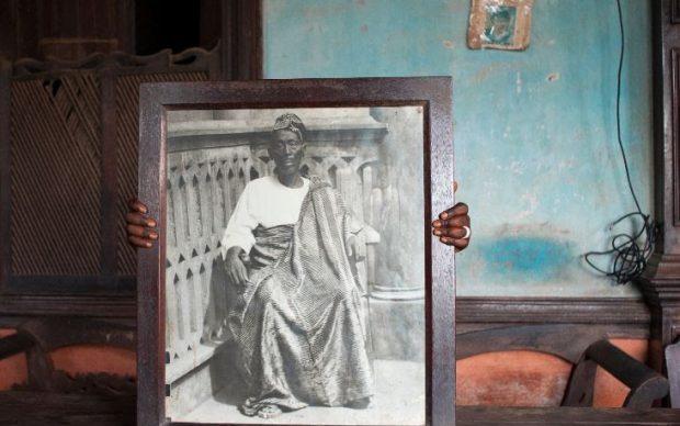 Nicola Lo Calzo, Portrait de David Godonou-Dossou, riche marchand et fondateur de la dinastie Godonou-Dossou, 2011