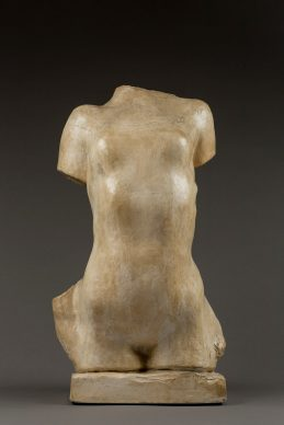 Auguste Rodin, Torso inarcato di giovane donna, modello grande. Parigi, Musée Rodin, inv. n. S.607 donazione Rodin, 1916 © agence photographique du musée Rodin, Pauline Hisbacq
