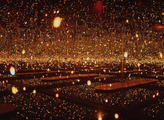 Yayoi Kusama, Infinity Mirror Room - Fireflies on the Water, 2000