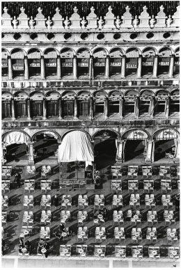Fulvio Roiter, Venezia, Piazza San Marco, 1983 © Fondazione Fulvio Roiter
