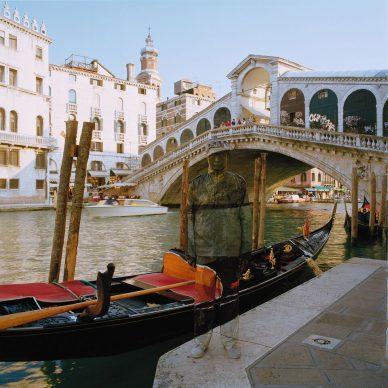 Liu Bolin, Canal Grande, Ponte di Rialto, Venezia