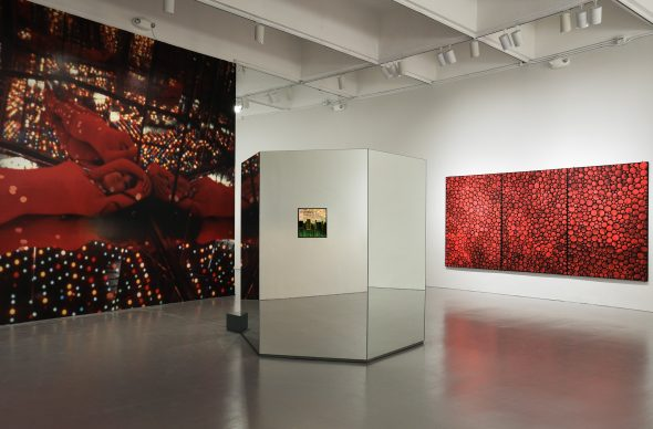 Yayoi Kusama, Installation view of Yayoi Kusama: Infinity Mirrorsat the Hirshhorn Museum and Sculpture Garden, 2017. Left to right: Infinity Mirrored Room –Love Forever, 1966/2014; Accumulation of Stardust, 2001. © Yayoi Kusama. Photo by Cathy Carver