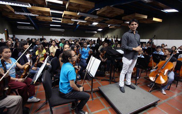 Ministério da Cultura Segui Ensino de Música na Venezuela - El Sistema