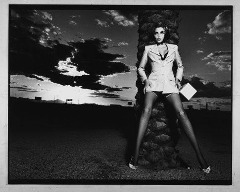 Albert Watson, Blumarine, Arizona – primavera/estate 1992. Modella: Nadja Auermann. Photo by Albert Watson