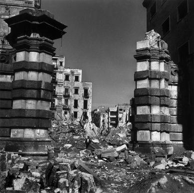 Robert Capa, Italia, 1943 © Robert Capa / Magnum Photos