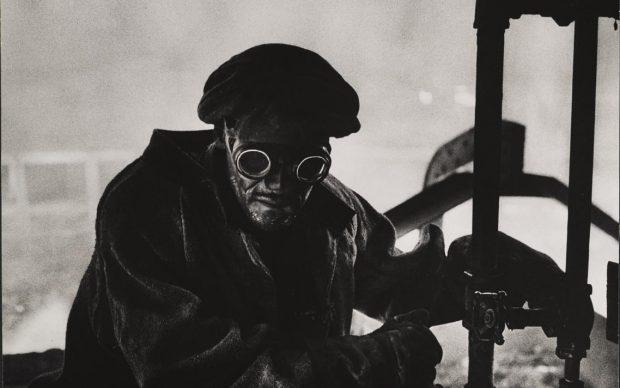 W.Eugene Smith, USA, 1918-1978 Forgiatore / Steelworker, 1955-1957 Stampa ai sali d'argento / gelatin silver print 23.49 x 33.34 cm Gift of Vira I. Heinz Fund of the Pittsburgh Foundation © W. Eugene Smith / Magnum Photos
