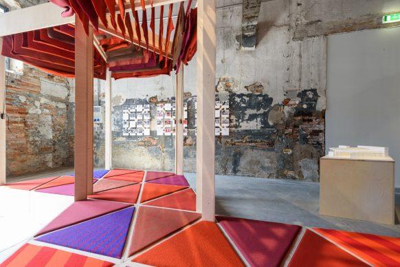Biennale di Architettura di Venezia 2018. The Practice of Teaching. Kéré Architecture. ZOI, 2017. Modular pavilion. Photo Andrea Avezzù. Courtesy: La Biennale di Venezia
