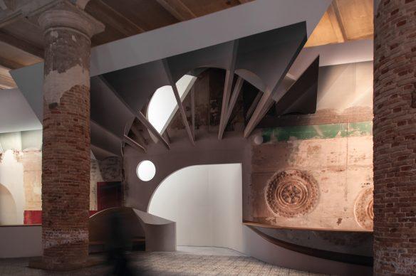 Biennale di Architettura di Venezia 2018. Arsenale. Mostra Freespace, Flores&Prats. Photo Irene Fanizza