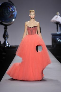 PHOTO © PETER STIGTER,  COLLECTION VIKTOR & ROLF WOMANSWEAR SPRING/SUMMER 2010